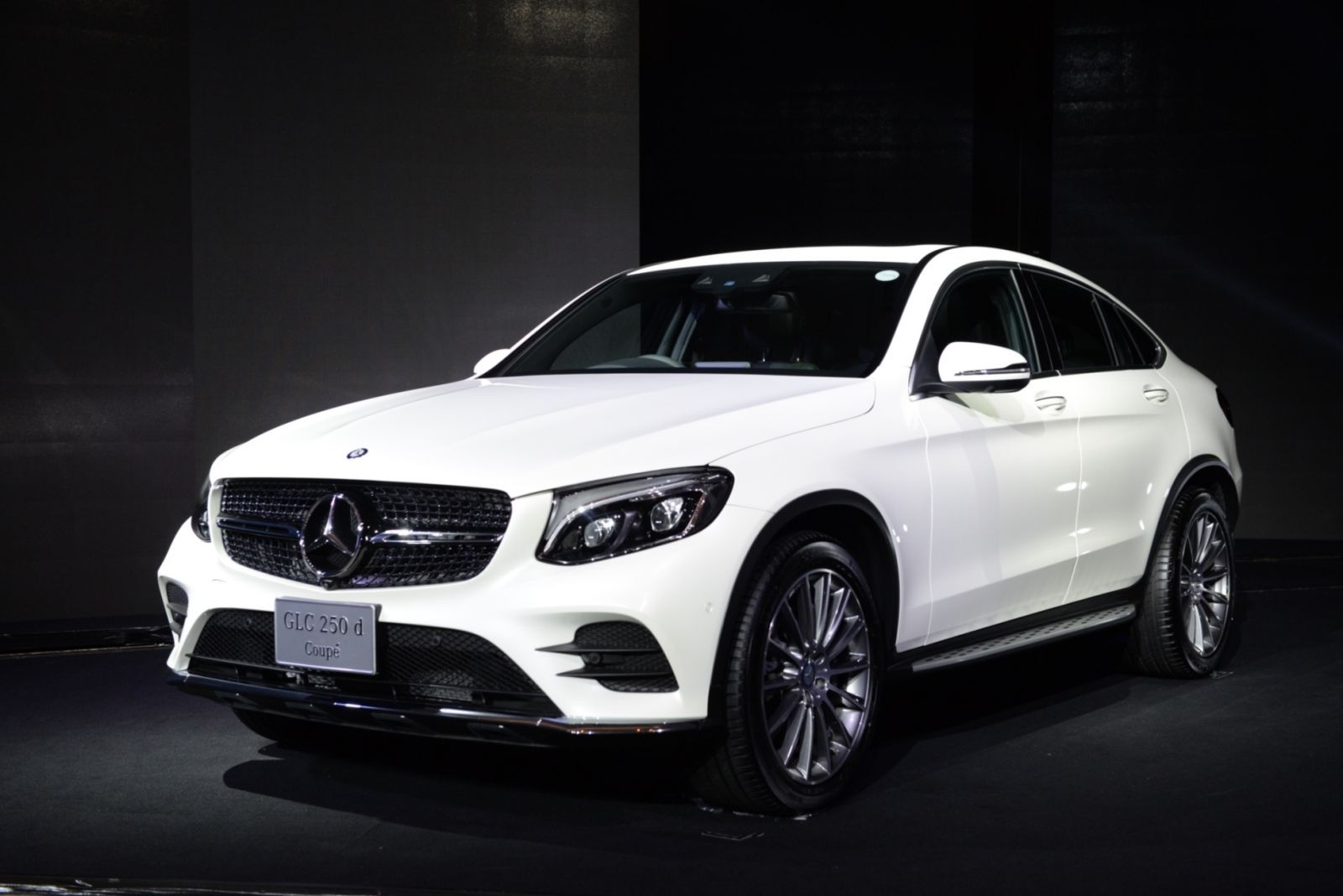 Mercedes benz glc 250 d 4matic coup sport suv for Mercedes benz sports coupe