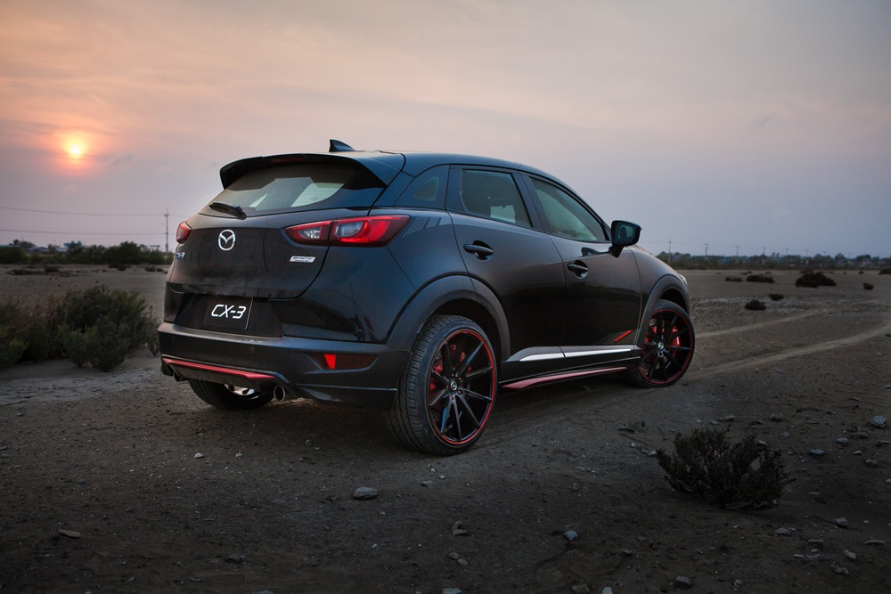mazda cx 3 racing concept crossover motor show. Black Bedroom Furniture Sets. Home Design Ideas